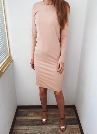 Нюдовое платье с открытой спинкой zara2