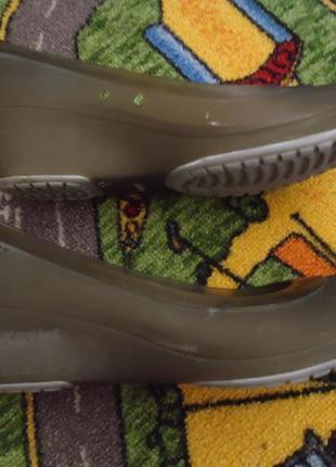 Балетки на танкетке. фирменные туфли крокс crocs2