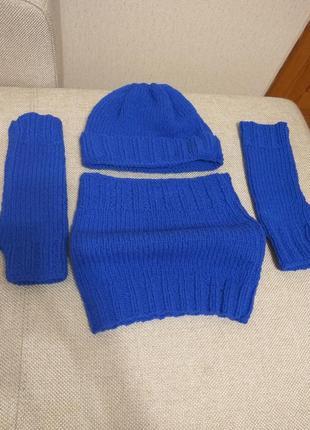 Вязаный комплект шапка, снуд, митенки