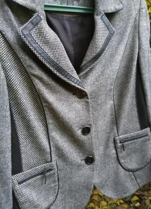 Стильный пиджак жакет в составе шерсть