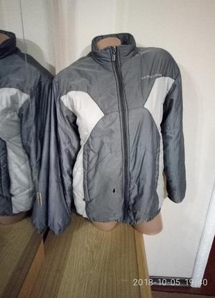 Стильная куртка umbro