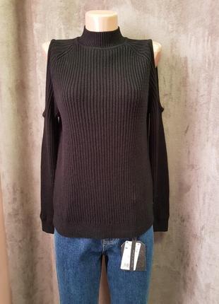 Черный вязанный свитер с открытими плечиками h&m s1