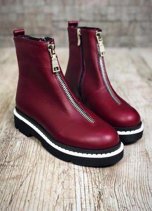 Кожаные зимние ботинки с надписями. 36-401