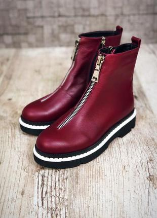 Кожаные зимние ботинки с надписями. 36-402