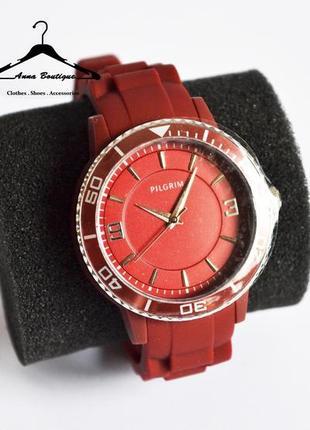 Великолепные кварцевые посеребрённые часы pilgrim3