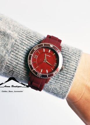 Великолепные кварцевые посеребрённые часы pilgrim2