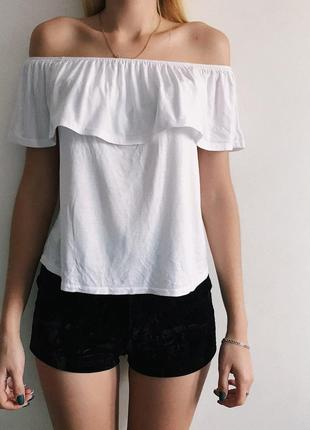 Новая футболка на спущенных плечах от atmosphere