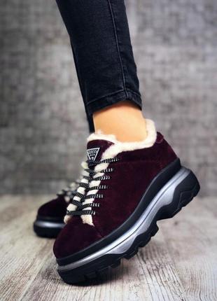 Замшевые зимние кроссовки на меху в стиле guess. 36-401
