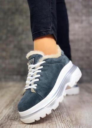 Замшевые зимние кроссовки на меху в стиле guess. 36-402