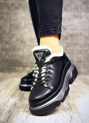 Кожаные зимние кроссовки на меху в стиле guess. 36-404