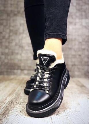 Кожаные зимние кроссовки на меху в стиле guess. 36-402