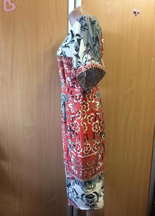 Вечернее платье с оригинальным разрезом размер 122