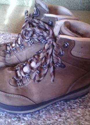Кожаные мужские горные трекинговые ботинки фирмы meindl