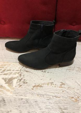 Новые натуральные фирменные ботинки 40р./26 см3