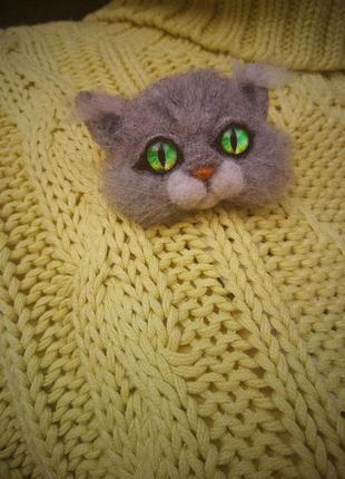 Брошь кот