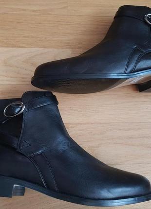 Новые натуральные фирменные ботинки 39р./25,5 см3