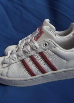 Adidas оригинальные кожаные кроссовки 36