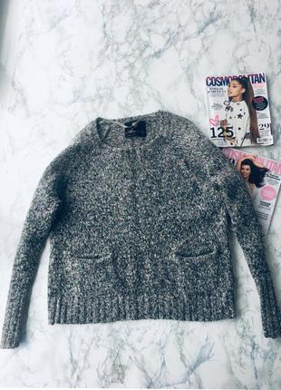 Красывый теплый свитер atmosphere