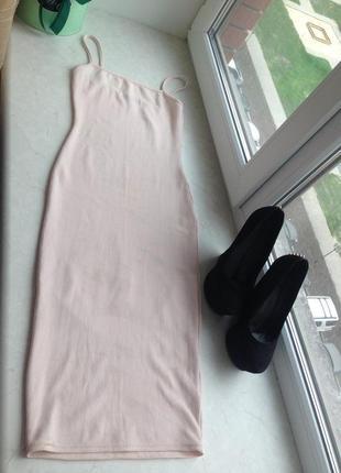 Розовое платье миди missguided