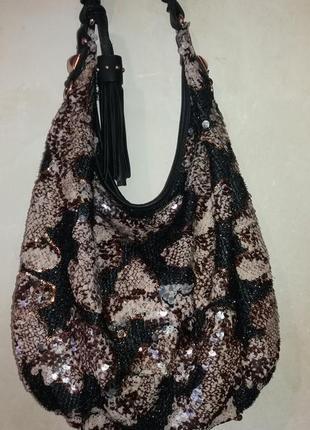 Нереальной красоты сумка в паетках.выглядит очень дорого
