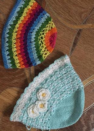 2 вязаные шапочки