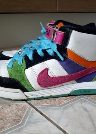 Фирменные ботинки кроссовки nike