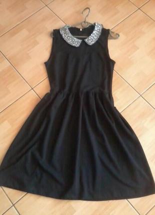 Платье l воротник