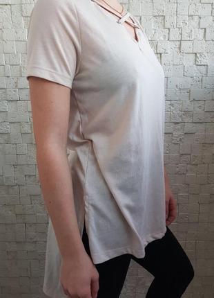 Удлиненная футболка со шнуровкой