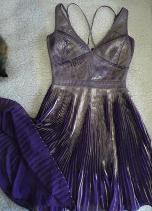 Сиреневое платье с плиссировкой, с золотым напылением karen millen р. uk 8, eu 36