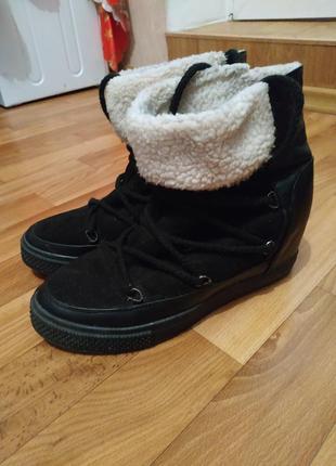 Женские зимние ботинки сникерсы (39 размер)