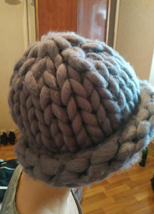Женская зимняя шапка меринос ручной вязки
