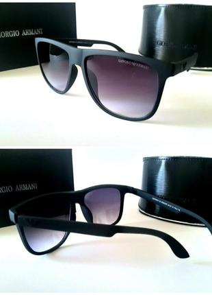 Мужские очки солнцезащитные черные в матовой оправе