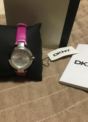 Годинник dkny