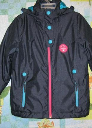 "Куртка ""decathlon"" размер 8 лет. рост 125-132 см."