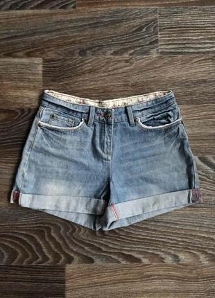 Голубые хлопковые джинсовые шорты шортики с белым кружевом от falmer heritage