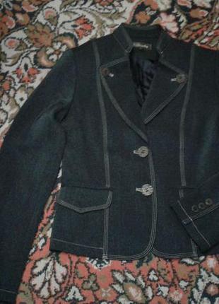 Пиджак  воротник стойка  на девочку 12 - 13 лет