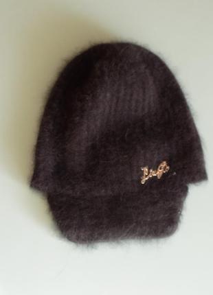 Liu jo  шапка с козырьком вязаная 80% ангора черная новая теплая