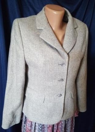 Осенний пиджак в составе шерсть и лён