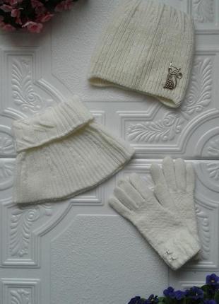 Зимний комплект (вязаная шапка-кошка на флисе с ушками, с косами, манишка, перчатки)