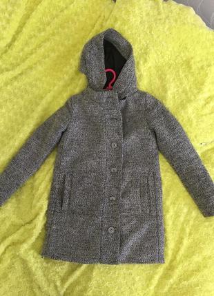 Пальто тёплое top secret, с капюшоном .