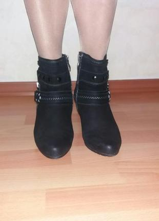 Ботинки на каблуку нубук ботінки
