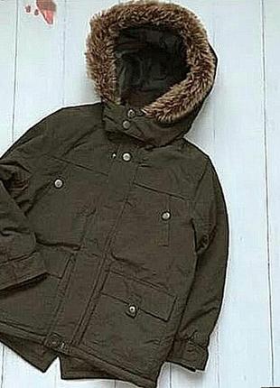 Демисизонна курточка цвета хаки