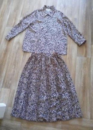 Костюм юбка и блузка, пр-во англии, соссостояние новой вещи