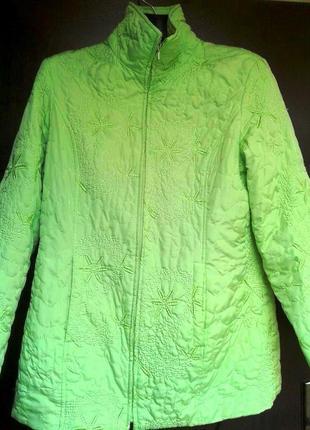 Легкая светло салатовая с вышивкой куртка, xl-2xl