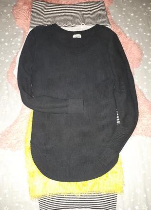 Теплый черный свитер /кофта