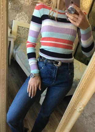 Тонкий свитерок в полоску