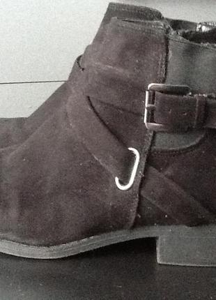 Модные ботинки под замшу на низком каблуке f&f