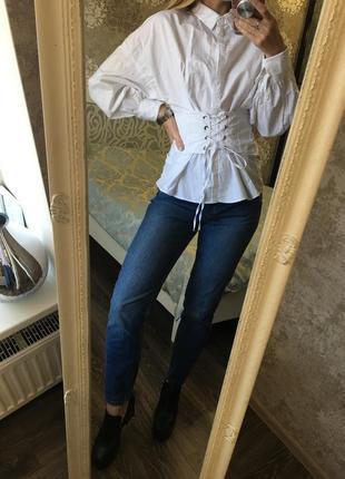 Блузка на  шнуровке