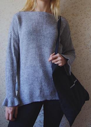 Вязаный свитер с рюшами