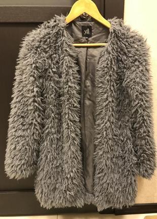Стильная мохнатая курточка